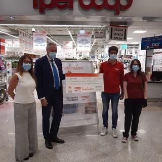 Coronavirus, l'ora donata dai dipendenti Nova Coop a sostegno della Croce Rossa: devoluti 62mila euro