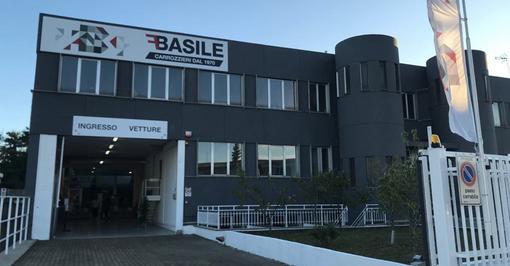 """Inaugurata la nuova sede di Fratelli Basile: """"Annunciamo l'accordo con Bmw, nel 2021 al via la scuola di carrozzeria"""" [VIDEO]"""