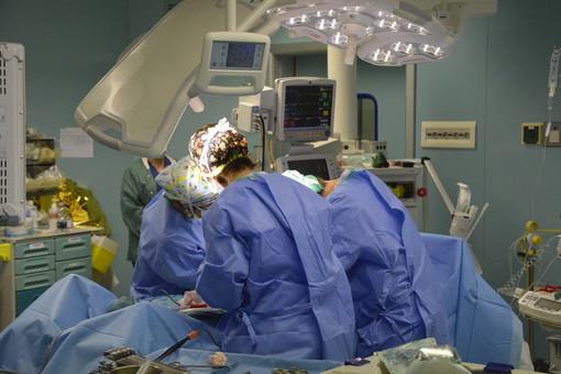 cardiologi al lavoro - foto di repertorio