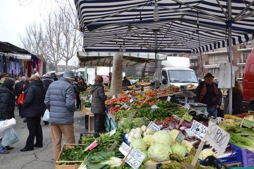 Fase due anche per il mercato di Grugliasco: dal 23 maggio nuove regole in viale Echirolles e via Leon Tron