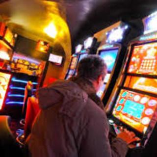 Gioco d'azzardo, la nuova legge da oggi in aula. Le opposizioni hanno già pronti 50mila emendamenti